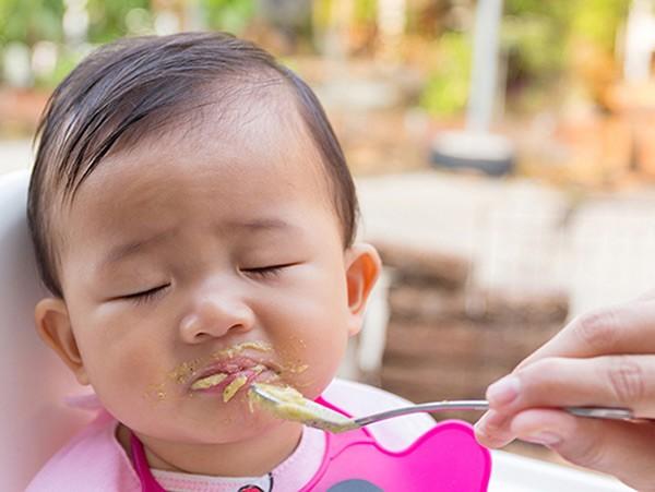 1. Độ tuổi trẻ thường biếng ăn?