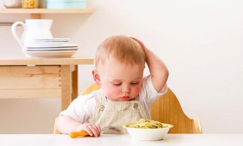 Trẻ biếng ăn phải làm thế nào? Nguyên nhân và cách giải quyết