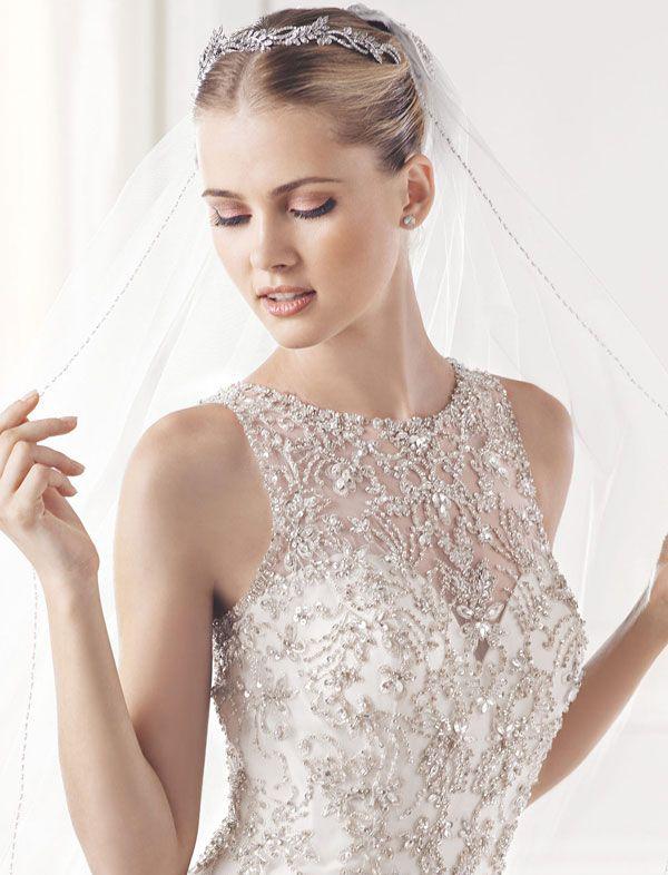 Váy cưới pha lê giúp cô dâu trở thành công chúa xinh đẹp