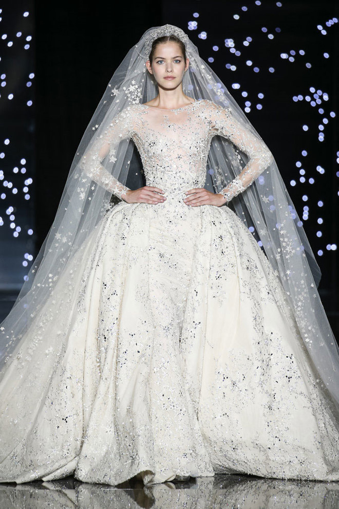 Cùng ngắm bộ sưu tập váy cưới trong mơ của Zuhair Murad!