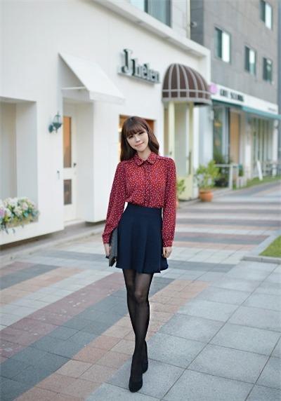 Cách phối hợp áo len với chân váy đẹp lung linh mùa đông