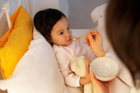 Trẻ bị tiêu chảy uống thuốc gì nhanh khỏi?