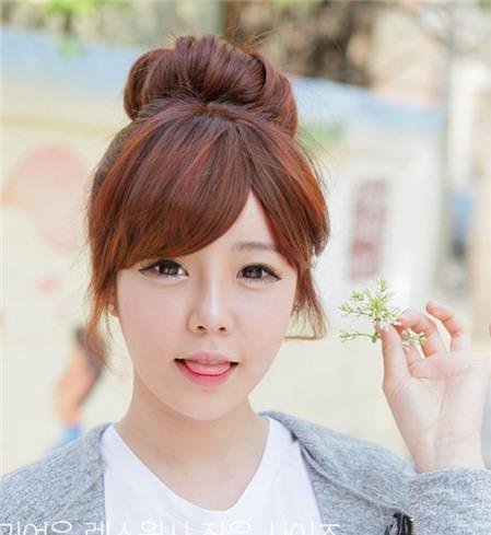 Cách búi tóc củ tỏi theo phong cách Hàn Quốc