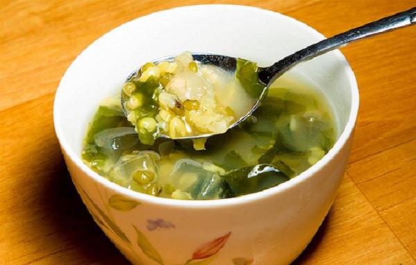 Cách nấu món chè đậu xanh phổ tai rong biển thơm ngon ngay tại nhà