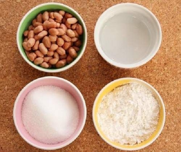 Món chè đậu phộng nước cốt dừa