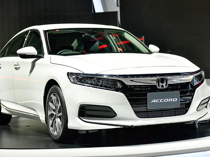Giá bán đắt đỏ, Honda Accord có công nghệ hiện đại gì để thuyết phục người mua?