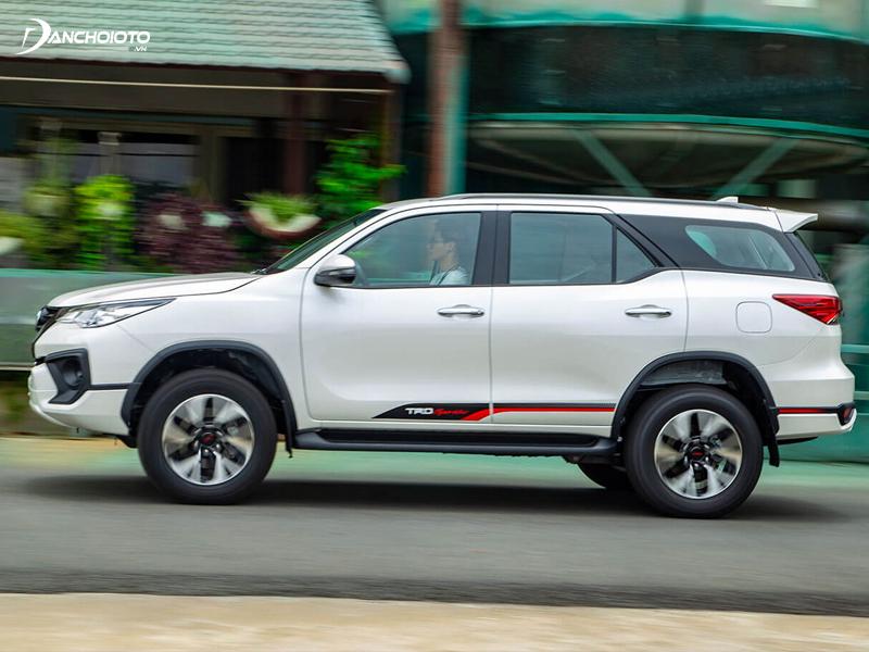 Toyota Fortuner mới được đánh giá cho khả năng vận hành vượt trội, mạnh mẽ