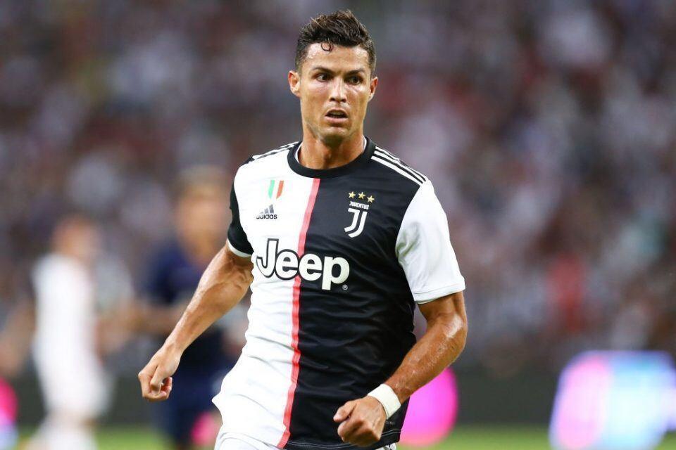 Ronaldo tháo chạy khỏi Juventus vì Covid-19
